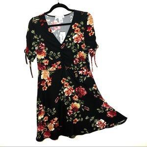 Planet Gold Black Floral V Neck Dress NWT L A10